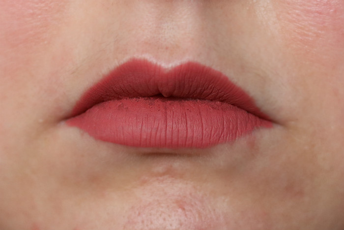 karl lagerfeld liquid lipstick merengue swatch close up