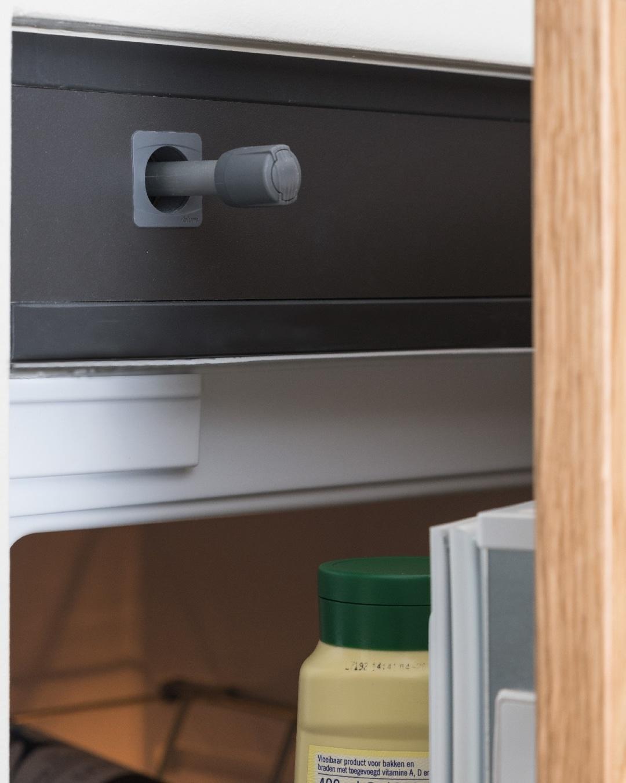 Een maatwerk keuken van doorSchor bij een project in Lelystad met greeploze deurtjes