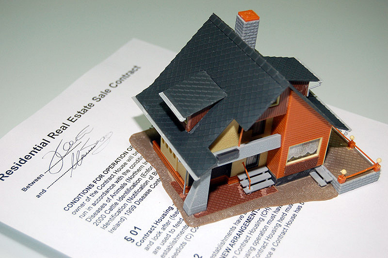 housing contract
