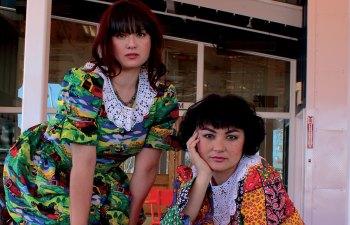 ASMR Crafting: Sayuri and Gabby La La