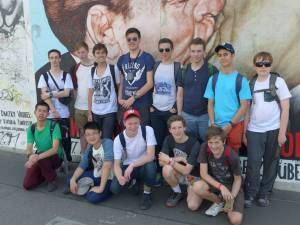 STUDENT TRIP REPORT_group berlin wall