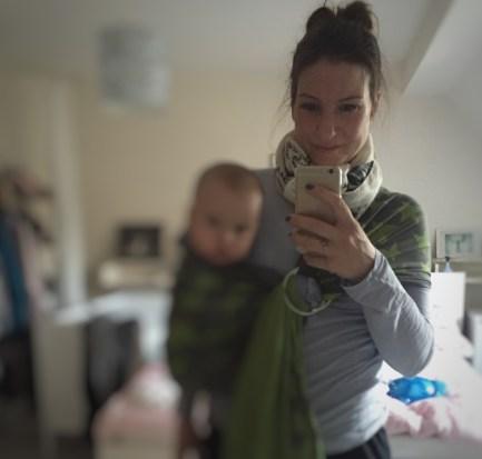 Mama mit Ringsling