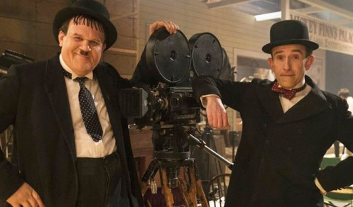 Immagine dal film Stan and Ollie (2018), Stanlio e Ollio in posa