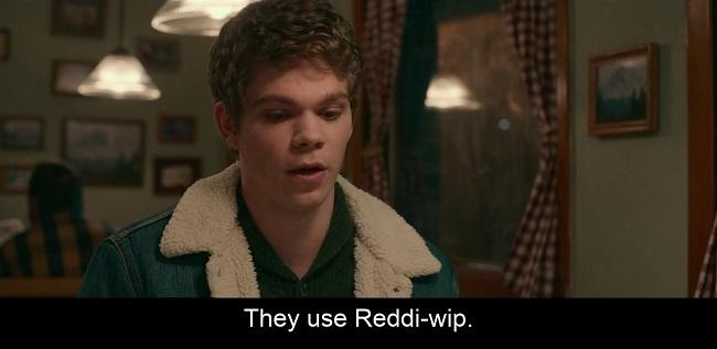 Scena dal film L'altra metà del 2020, in cui la panna montata spray Readdi-wip diventa nel doppiaggio italiano una panna commerciale invece che industriale
