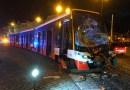Na Pohořelci došlo k nehodě tramvají, souprava z retrolinky nacouvala do Škody 15T