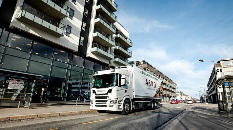 Scania investuje do vývoje elektrických vozidel nákladní dopravy, nyní nasazuje v Norsku plně elektrické vozy