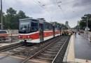 V Praze na Vinohradech upadlo tramvaji za jízdy kolo
