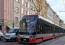OBRAZEM: Nehoda tramvaje s dodávkou v Koněvově ulici v Praze