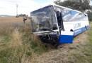 U Divišova se čelně střetl autobus s osobním automobilem