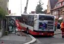 Z ARCHIVU: Nehoda autobusu v Praze-Dejvicích