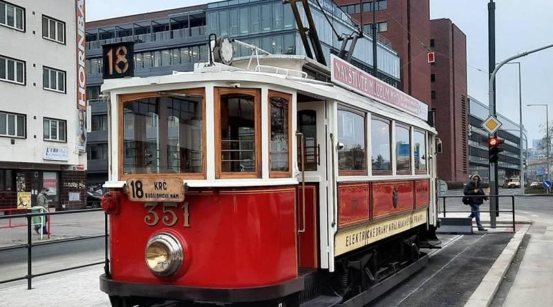 Nová tramvajová trať v ulici Na Pankráci byla otevřena