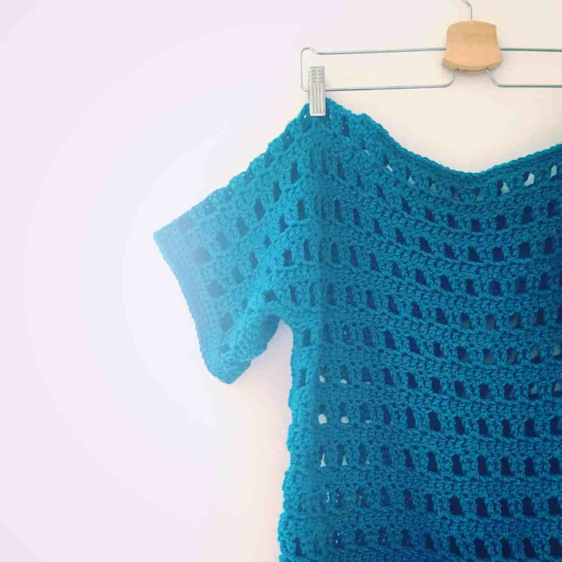 slouchy crochet jumper easy to make filet crochet