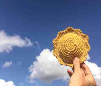 sun shaped crochet pin cushion paattern