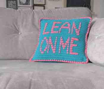 Bright kitsch comic crochet cushion pattern