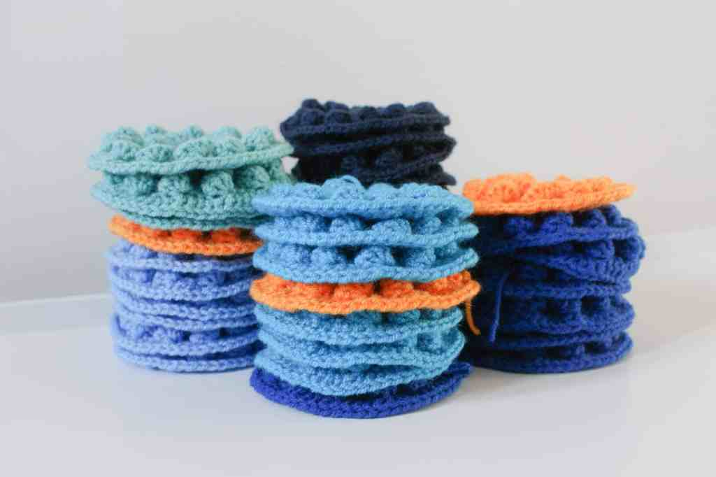 Bobble pop crochet blanket motifs