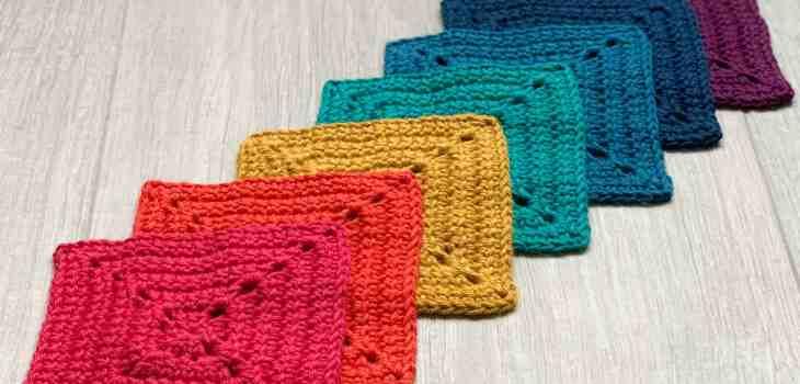 Little love, linked crochet granny square pattern Dora Does