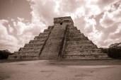 030 El Castillo de Kukulcan, Chichen Itza, Mexico