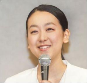 カーリング女子,藤沢五月,カップ,かわいい,韓国語,ペラペラ