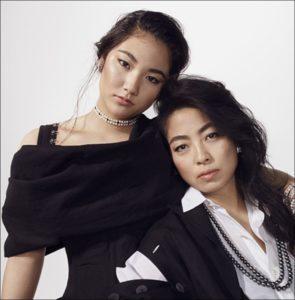 母親の内田也哉子さんと一緒にvogueのモデルをやった内田伽羅の画像