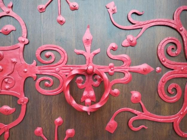 Red door. Photo by Dorartis