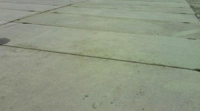 Использование плит ПАГ-14 на площадке грузового транспорта