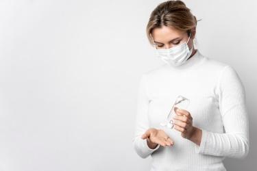 Respiratoriai ir kitos veido kaukės: ką pasirinkti apsaugai nuo viruso?