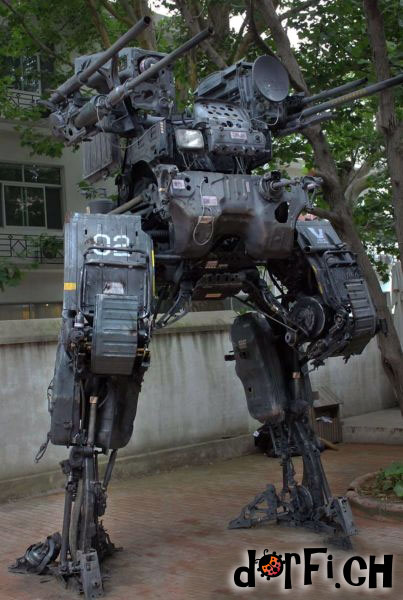 Roboter statue.