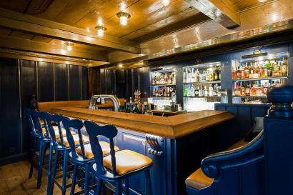 Restaurant Dorfkrug Kampen Bar Grill Interieur Bar