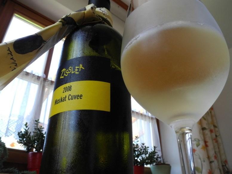 Ein frischer vollmundiger Weißwein von Zissler aus Sierndorf ergänzte das Essen.