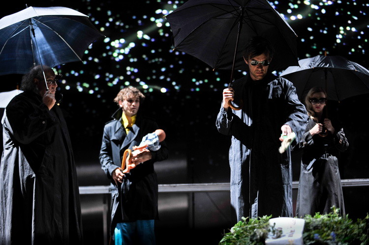 Faust 2011: Josef Ostendorf, Franz Rogowski, Sebastian Rudolph, Patrycia Ziolkowska  © Arno Declair