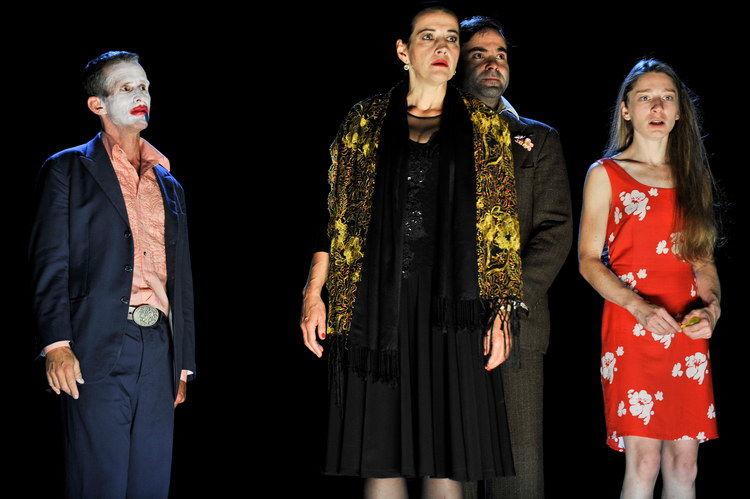 Die vier Himmelsrichtungen 2011: Ulrich Matthes (Ein Mann), Almut Zilcher (Eine Frau), Andreas Döhler (Ein kräftiger Mann), Kathleen Morgeneyer (Eine junge Frau)  © Arno Declair