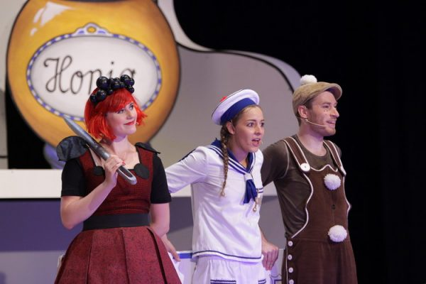 Magdalena Oettl (Pfeffer), Tilla Rath (Salz), Jonas Breitstadt (Lebkuchenmann)