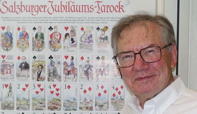Der Grafiker Werner Hölzl hat die 54 Tarockkarten entworfen. Fotos: KTraintinger