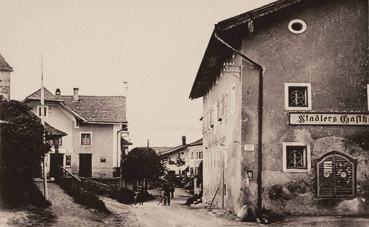 Das Gasthaus Stadler von der Gemeinde aus gesehen. Foto: Archiv | Alois Fuchs/ Dr. Andreas Maislinger
