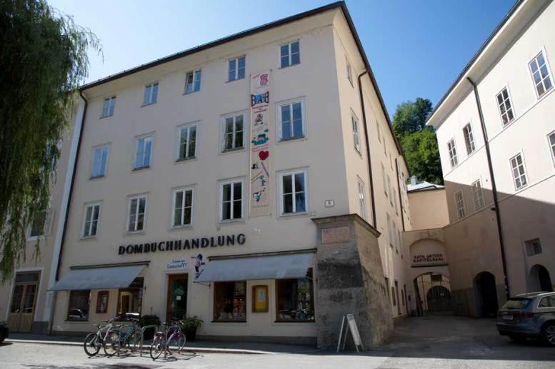 Dombuchhandlung | Fotos: KTraintinger, Dorfbild.com