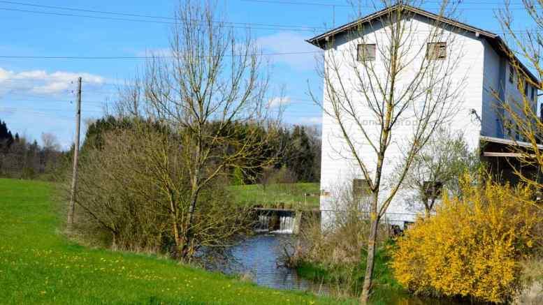 Die Bäckermühler (Stürzer) an der Oichten in Nussdorf