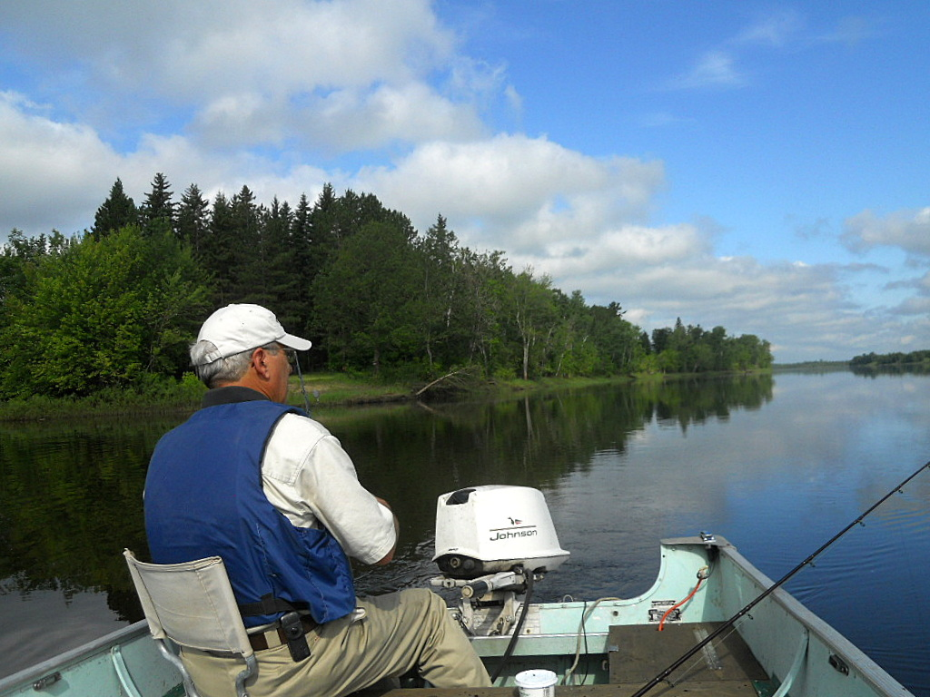 Sturgeon fishing in rainy river minnesota my journey for Rainy river fishing