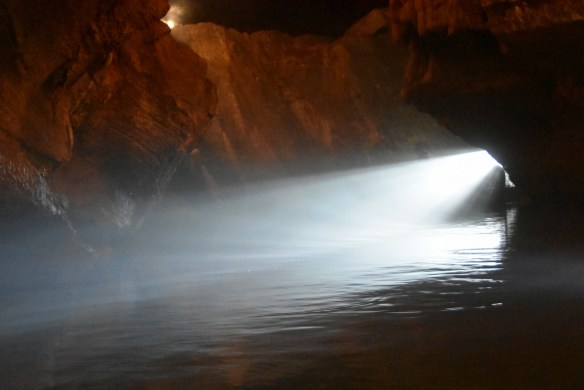 Penn's Cave (18)