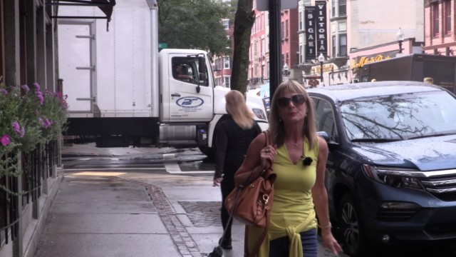 Boston. Quincy Market to Freedom Trail. Jean's video report of this vibrant city.