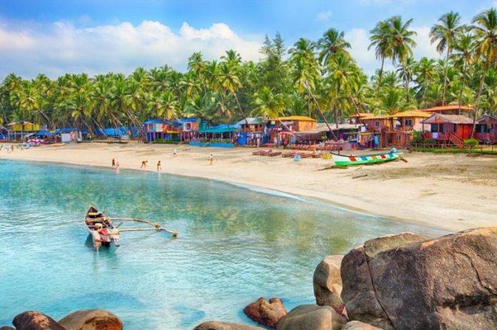 Sunny Goa Beach Paradise