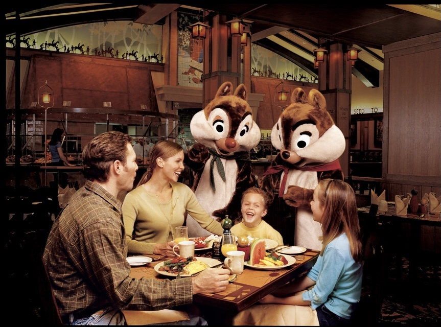 character dining at storytellers cafe