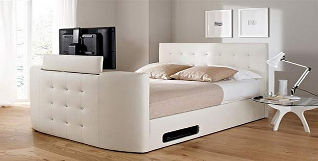 Televisor en cama