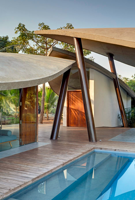 Leaf House with Concrete Shade Canopies   Designs & Ideas on Dornob