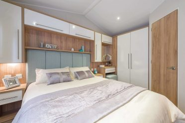 BOUTIQUE STYLE MASTER BEDROOM WITH PLENTY OVERHEAD STORAGE