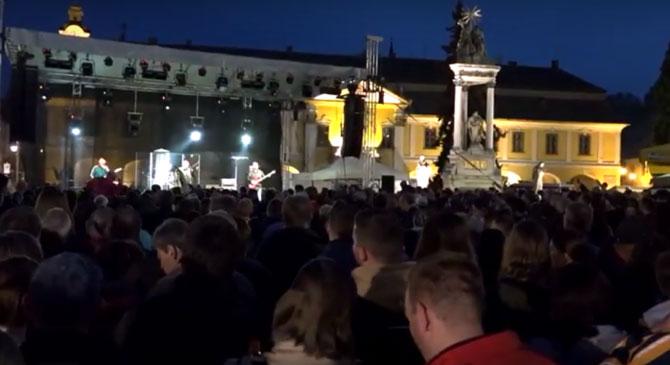 Videók: jól sikerült az esztergomi sonkaszegő