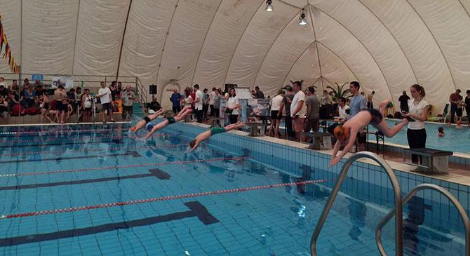 Békatalálkozó úszóverseny Dorogon