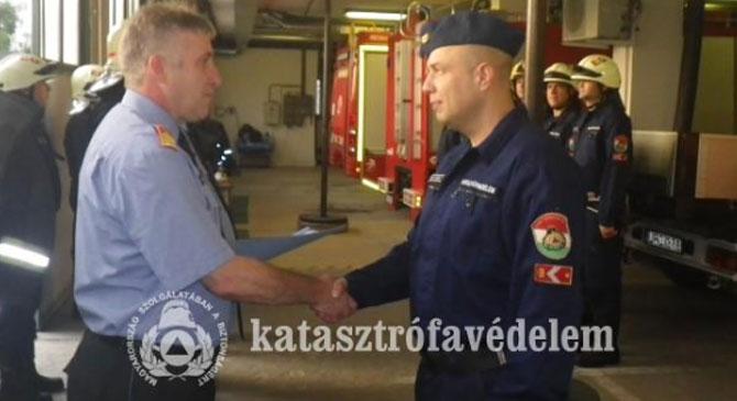 Kitüntettek egy esztergomi tűzoltót