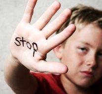 Kilenc éves gyermeket zsaroltak és vertek meg egy dorogi iskolában