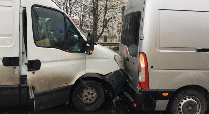 Három autó ütközött Piliscsabán