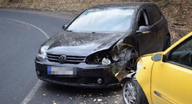 Autóbaleset a Dobogókői úton